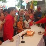 Cantando cumpleaños con los oriundos de Altagracia